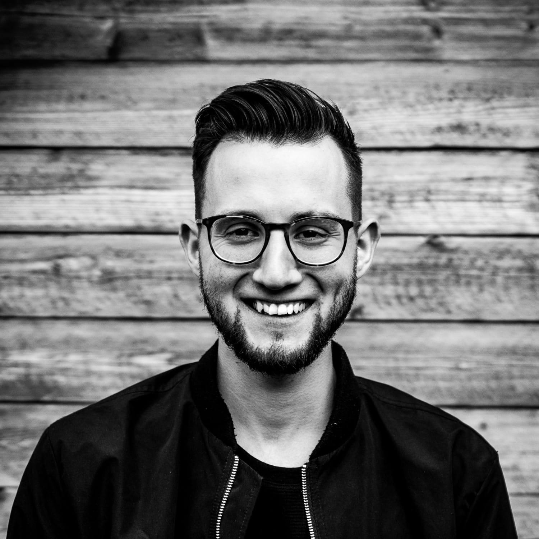 Constantin Herzog : Bass